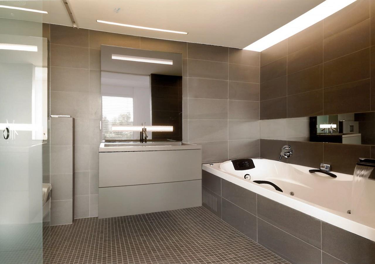 Salle de bain en nuances de gris - Miwweltrend