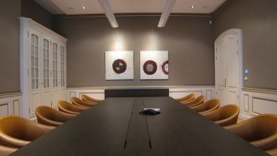 Salle de réunion et bureau